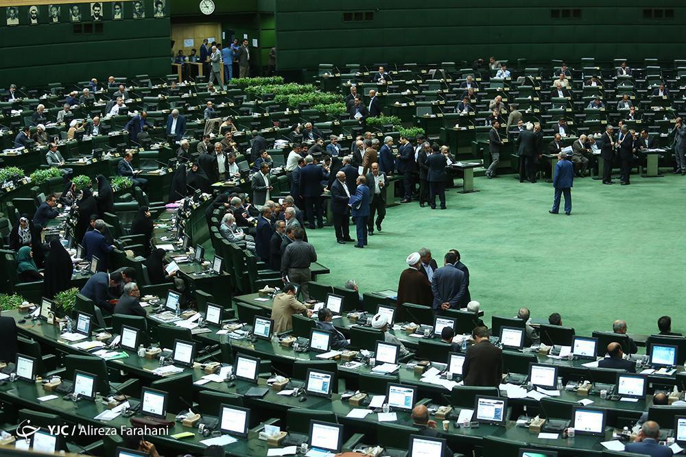 نعمتی در گفت وگو با خبرنگاران عنوان نمود؛ احتمال برگزاری نشست غیرعلنی مجلس با تیم اقتصادی دولت
