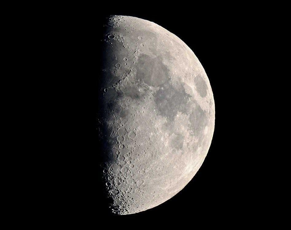 در مصاحبه با خبرنگاران بیان کرد؛ تماشای نوارهای نورانی ماه را بامداد جمعه از دست ندهید