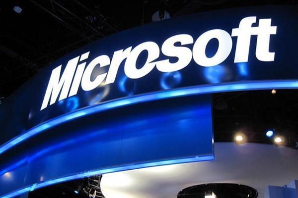 مایکروسافت از همکاری با ارتش آمریکا دفاع کرد