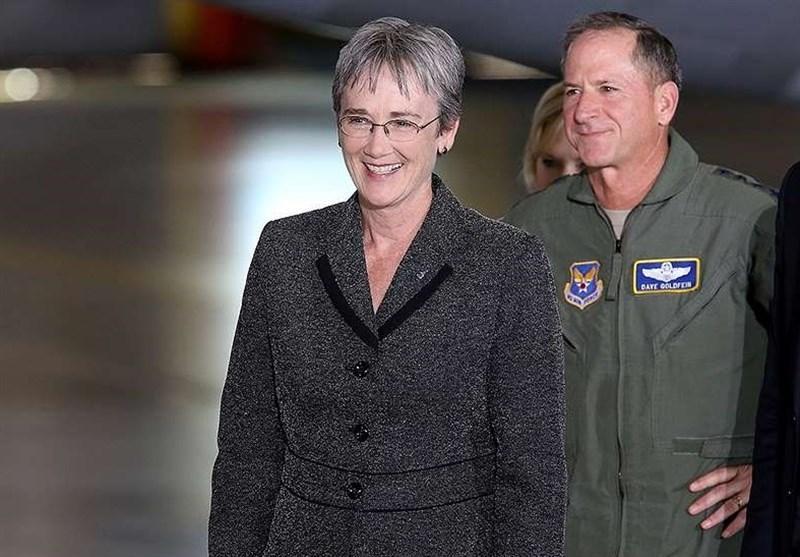 وزیر نیروی هوایی آمریکا از سمت خود استعفا می دهد