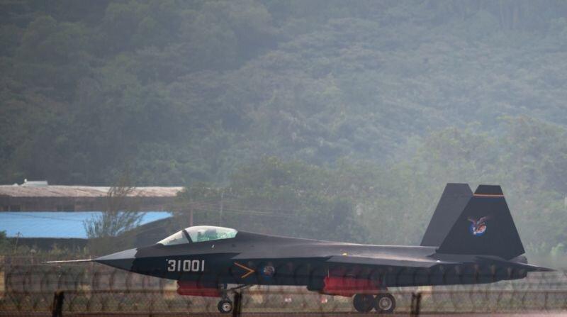 فیلم ، جت جنگنده چینی نسل پنجم رادارگریز جی-31