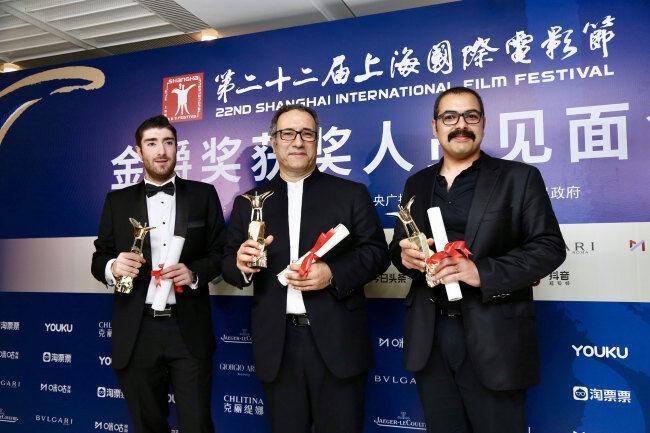 خبرنگاران قصرشیرین جام طلایی شانگهای چین را به ایران برد