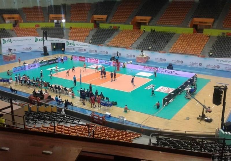 والیبال قهرمانی آسیا، پیروزی آسان چین تایپه در سالن سرد آزادی