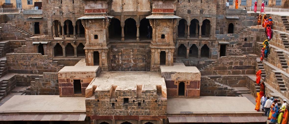 عبور از میان پله هایی به قدمت تاریخ هندوستان