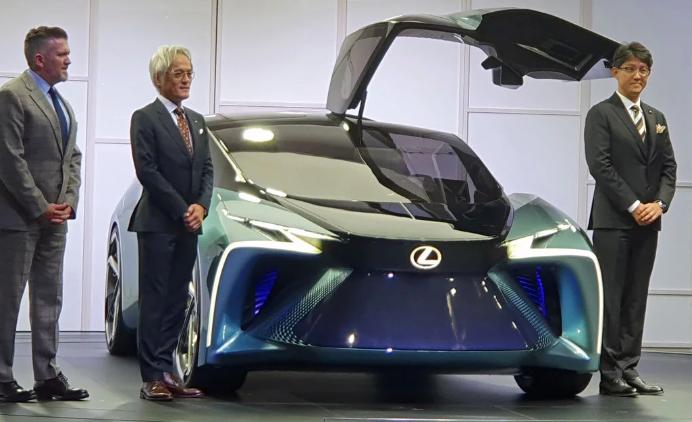 لکسوس نخستین مدل مفهومی از خودرو الکتریکی خود را رونمایی کرد ، شاهکاری از طراحی و قدرت
