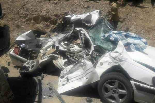 واژگونی پژو پارس با 4 کشته و مصدوم