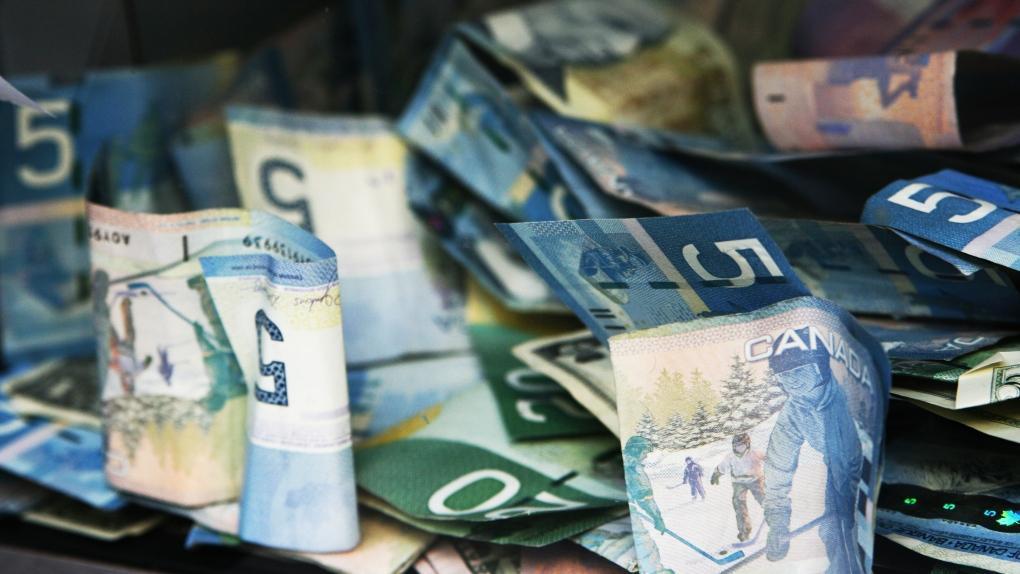 بانک مرکزی کانادا ممکن است نرخ بهره را تا 2023 پایین نگه دارد