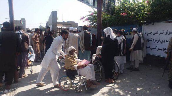ازدحام در برابر کنسولگری پاکستان در افغانستان 15 کشته داشت