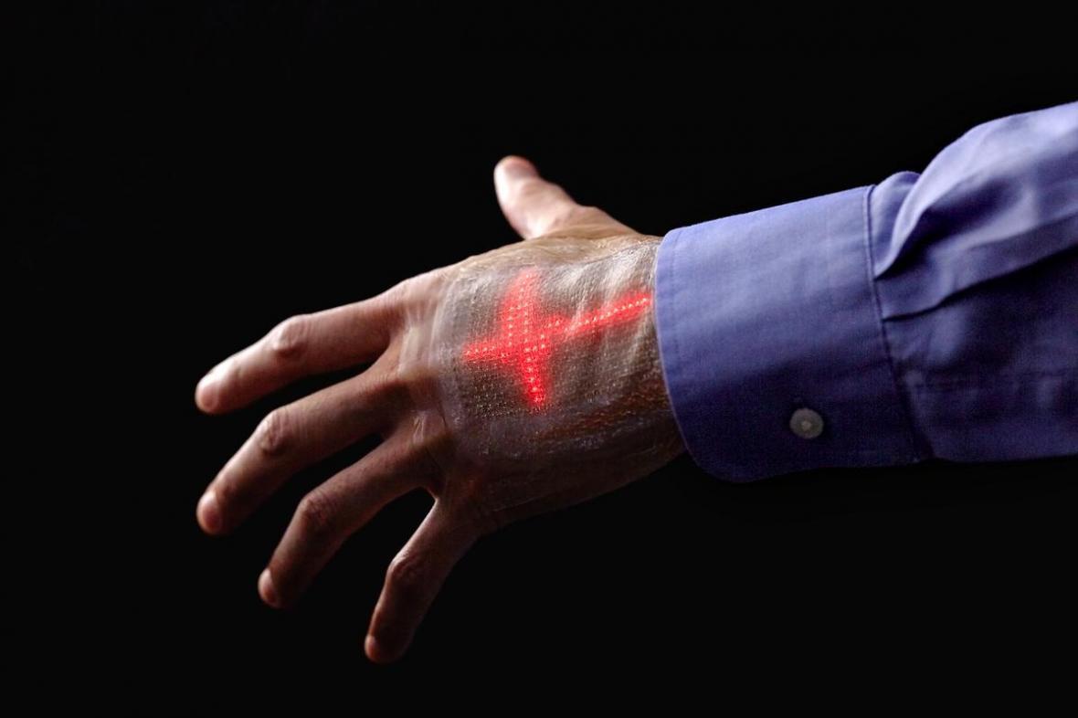 فراوری پوست الکترونیکی با قابلیت رصد ضربان قلب