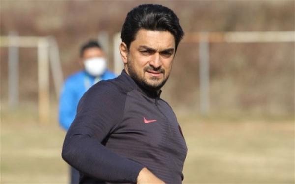 در هیچ کشوری لیگ برتر 40 روزه تعطیل نمی گردد اما در فوتبال ایران تعطیل شد